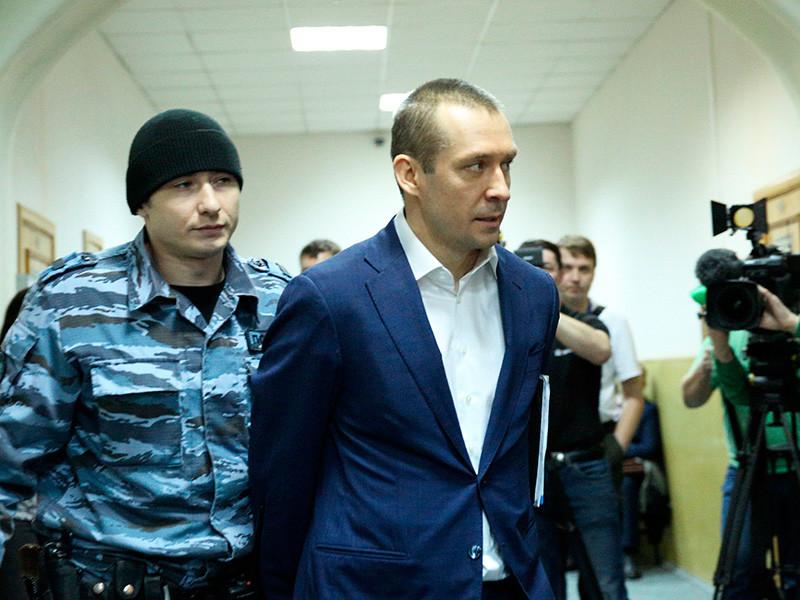 Захарченко был задержан 9 сентября 2016 года в рамках расследования дела о злоупотреблении должностными полномочиями