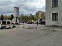 В Перми у дома культуры часть сцены рухнула на детей (ФОТО)