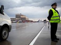 В России заведено первое уголовное дело против дебошира, пытавшегося открыть дверь самолета во время полета