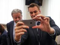 Суд отказался вызвать Медведева на процесс Навального и Усманова