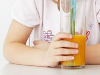В Буденновске девочка, ее дед и хозяин магазина получили химический ожог, выпив сока