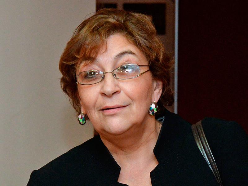 Главный редактор издания Евгения Альбац назвала случившееся цензурой и заявила о намерении оспорить решение ведомства в суде