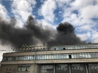 В Петербурге загорелся универмаг на площади Стачек