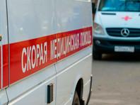 В Москве скорая помощь врезалась в упавшее дерево