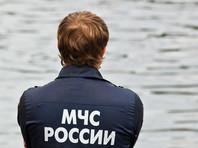 В озеро Падалинское под Хабаровском упал автомобиль с людьми
