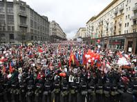 """Акция """"Бессмертный полк"""" в Москве, несмотря на непогоду, поставила новый рекорд - 850 тысяч человек"""
