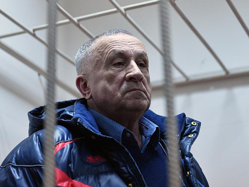 Экс-глава Удмуртии Соловьев признался в получении взяток, заявил назначенный следствием адвокат