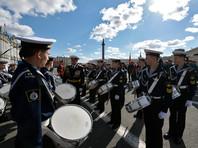 Парад Победы в Петербурге прошел без кораблей, но в отличие от Москвы - с авиацией