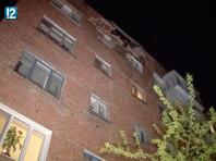 В Омске жильцов разрушающейся пятиэтажки отправили ночевать в автобус