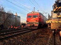 В Петербурге сошла с рельсов электричка, пострадавших нет