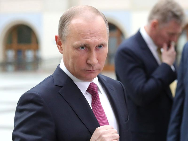 """Путин заявил, что отвечать на новые санкции США """"преждевременно"""""""