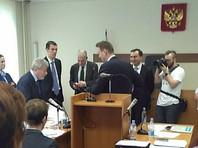 """Суд назвал """"слухами"""" данные ФБК о взятках Усманова"""