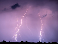 В Омской области велосипедиста убило ударом молнии