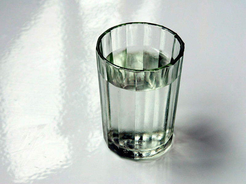 В Ахтубинске четыре человека умерли, выпив жидкость из найденной на улице Ленина канистры