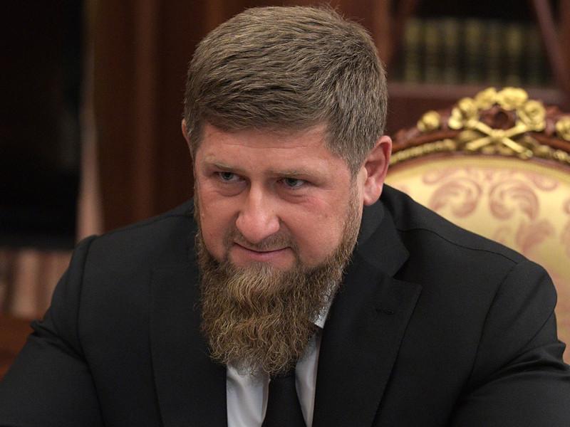 Глава Чечни Рамзан Кадыров опубликовал гневную отповедь Госдепу США, прокомментировав просьбы американских дипломатов об обеспечении безопасности бойца смешанных единоборств Мурада Амриева