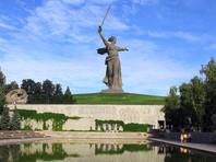 """СК: фото с раскрашенным монументом """"Родина-мать зовет"""" выложили с электронных устройств главы штаба Навального"""