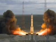 """Ракета-носитель """"Протон-М"""" со спутником Echostar 21 стартовала с космодрома Байконур"""