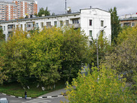 В ходе заседания депутаты Госдумы приняли поправку, которая вводит очередность сноса домов по программе реновации: сначала с большим износом, затем - с меньшим