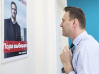 Тем не менее только за май президент потерял 1%, а его возможный оппонент Алексей Навальный, наоборот, улучшил свои показатели