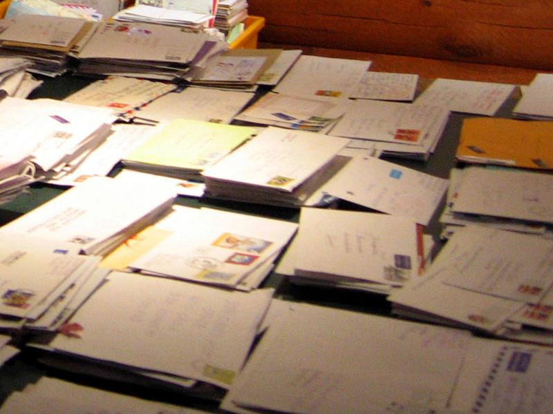Две тонны не доставленной почтовой корреспонденции обнаружили полицейские при обыске в квартире в Чите