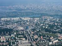 С улиц Новосибирска срочно снимут юбилейные баннеры с крадеными фото