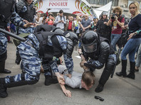 Как считают многочисленные эксперты и политологи, то, что Навальный перевел санкционированный митинг 12 июня в несанкционированный, безусловно, стало сильным ходом