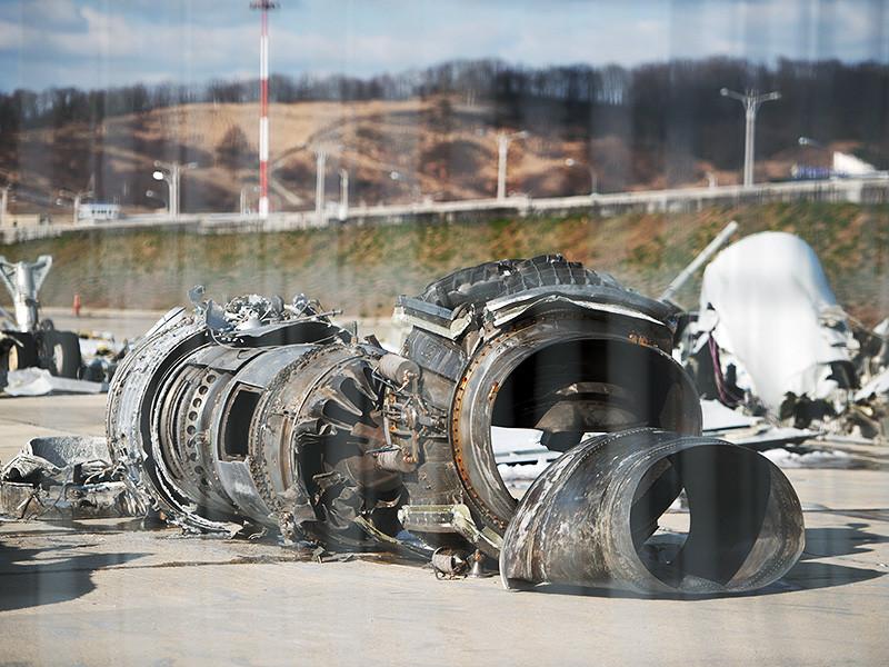 Комиссии по расследованию катастрофы военного самолета Ту-154 под Сочи, причиной крушения которого накануне была названа ошибка пилота, посекундно реконструировали обстоятельства трагедии
