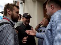 В Росгвардии пояснили, что волонтера московского штаба Навального избили за сопротивление полиции
