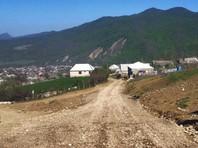 Обострившийся на минувшей неделе конфликт между аварцами и чеченцами в селе Ленинаул Казбековского района Дагестана урегулирован, уверяют чеченские власти