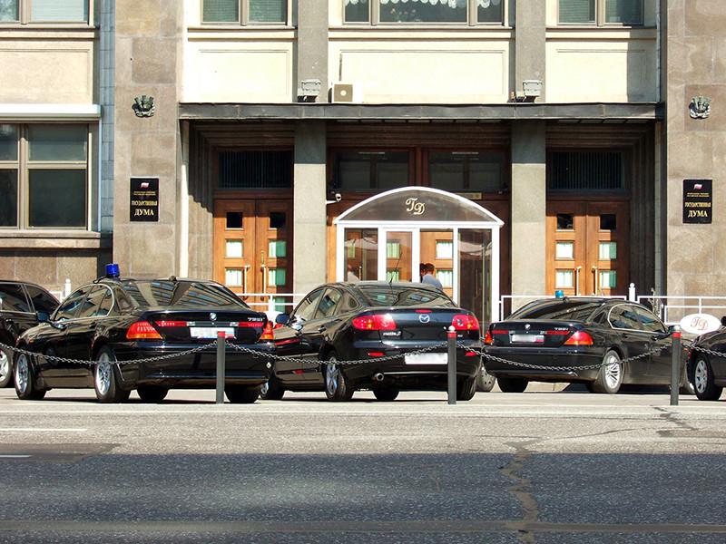 Комитет Госдумы по регламенту утвердил увеличение с 300 тысяч до 830 тысяч рублей в год суммы, которую каждый парламентарий может потратить на транспортные расходы во время поездок в регионы