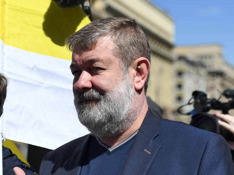На Мальцева завели уголовное дело о создании экстремистского сообщества. Узнав о том, что его планируют арестовать, оппозиционер решил покинуть страну