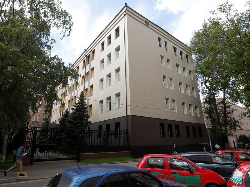 Весельницкая успешно представляла интересы ФСБ в судебной тяжбе за здание в элитном районе Москвы между 2005 и 2013 годами, пишет агентство