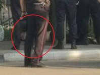 В Орле пациент психбольницы захватил в заложницы сотрудницу полиции и стрелял в парке из ее оружия