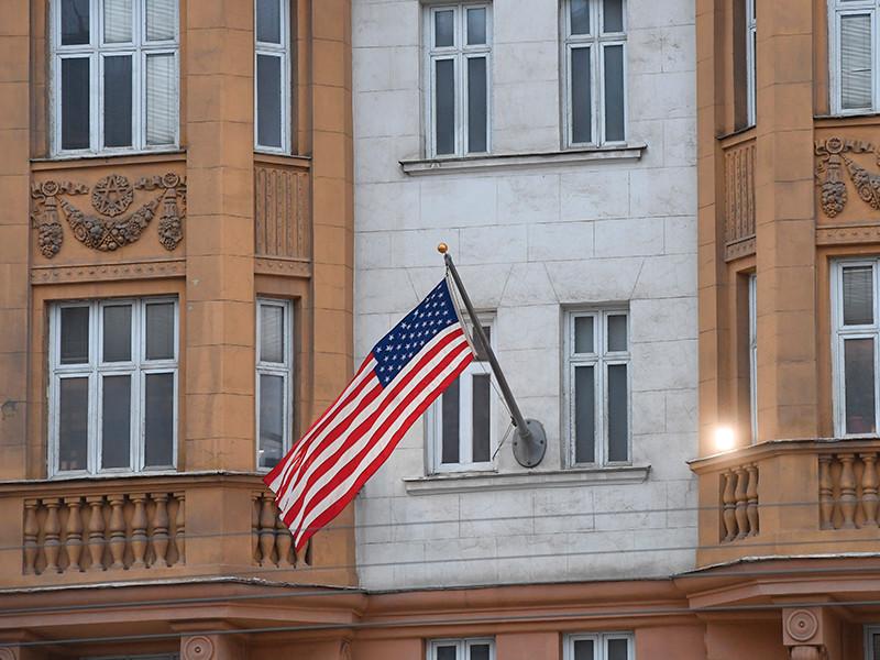Из России высылают более 700 американских дипломатов и сотрудников посольства