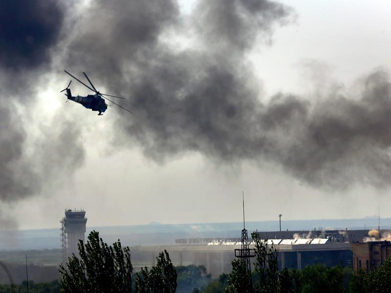 Украинский Ми-24 над аэропортом Донецка, 26 мая 2014 года
