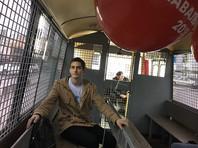 В Москве задержали десятки активистов Навального с воздушными шариками