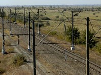 """Железнодорожный участок Журавка - Миллерово, который должен позволить пускать поезда на юге России в обход Украины, введен в строй, и рабочее движение по нему открыто, сообщает """"Интерфакс"""" со ссылкой на осведомленный источник"""
