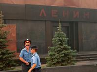 Председатель КПРФ Геннадий Зюганов заявил, что президент России Владимир Путин пообещал не допустить перезахоронения Владимира Ленина и советских деятелей, погребенных у кремлевской стены. Председатель КПРФ, в свою очередь, заявил, что пребывание тела в Мавзолее не противоречит христианским канонам