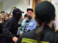 В минувшую среду Басманный суд столицы отправил Кирилла Серебренникова под домашний арест до 19 октября. Своей вины режиссер не признал, назвав обвинение абсурдным