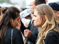 Полиция задержала несколько человек, которые пришли к Басманному суду поддержать Серебренникова