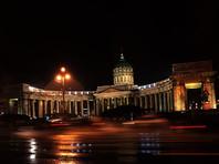 """На Невском проспекте, 28 (напротив Казанского собора), мужчина на """"Форде Мондео"""" выехал на тротуар и сбил там четырех человек. Все они госпитализированы"""