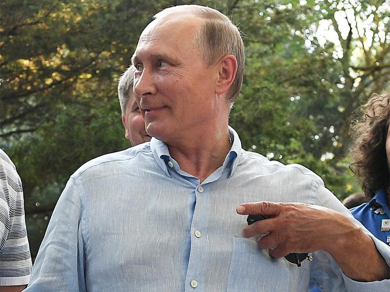 Путин предложил подумать над новыми методами цензуры в СМИ