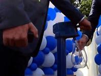В Томске торжественно открыли колонку, а в дома воду проводить не стали