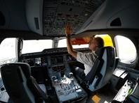 """Попытки ужесточить требования проходят на фоне оттока кадров. Так, в июне """"Коммерсант"""" писал о массовом переходе российских пилотов на работу за рубеж, в первую очередь в китайские авиакомпании"""