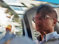 """Журналисты напоминают читателям, что бывшего российского чиновника обвиняют в попытке вытребовать взятку в два миллиона долларов у главы """"Роснефти"""" Игоря Сечина. При этом они отмечают нелепость этой версии, считая более реальной причиной борьбу кланов"""