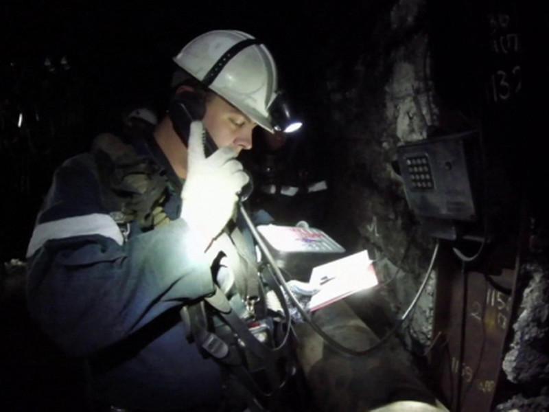 """Спасатели обследовали 3 км выработок на руднике """"Мир"""", но пропавших горняков не нашли"""