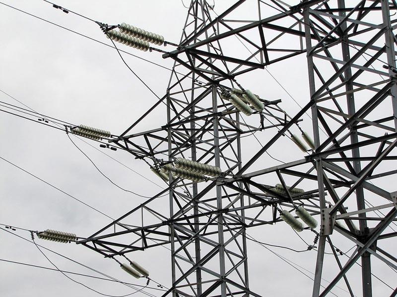 В нескольких городах и районах Краснодарского края ввели график временного отключения электричества, чтобы помочь с электроснабжением Крыму. Об этом сообщается на сайте региональной администрации 9 августа