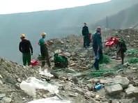"""Судьба восьми шахтеров в подтопленном руднике """"Мир"""" до сих пор неизвестна. В Мирный доставят их родственников"""