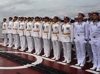 """На Тихоокеанском флоте 12 августа, спустя 17 лет после трагической гибели экипажа подлодки """"Курск"""" почтили память военных моряков. На кораблях в Баренцевом море приспустили флаги. В память о погибших состоялись траурные митинги"""