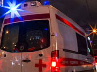 В результате ночного происшествия в Петербурге, где автомобиль выехал на тротуар и сбил группу людей, пострадали четыре человека